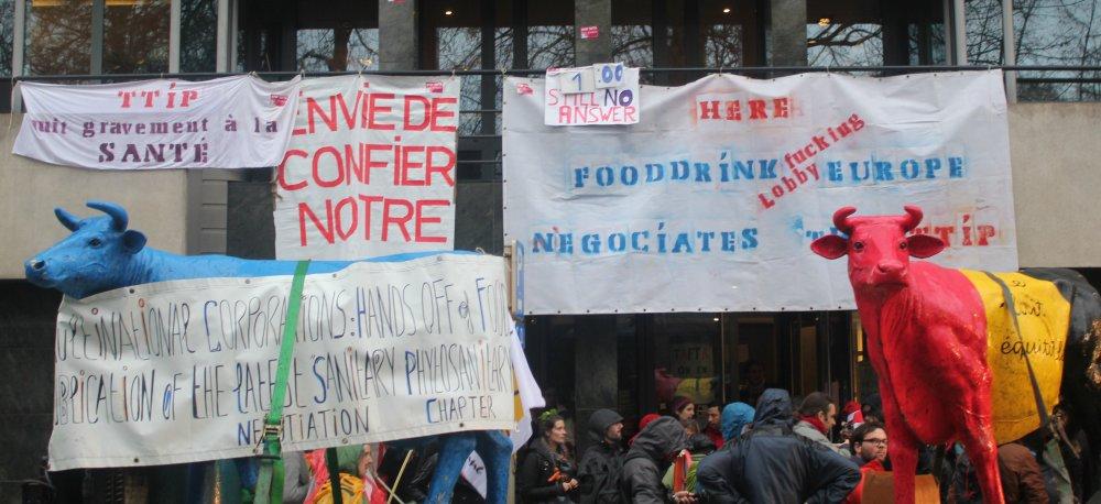 Sommet européen de Bruxelles : des milliers de citoyens disent non au TAFTA