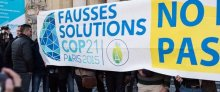 Action « Fausses Solutions COP21 » au Grand Palais