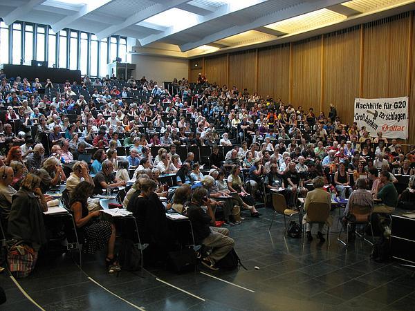 Les Attac d'Europe réunis à Fribourg proposent des alternatives au chaos financier dans Politique/Societe 2a7edd84a4